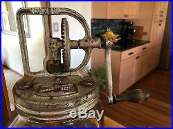 VINTAGE 1922 DAZEY CHURN No. 40 ST LOUIS MO GLASS JAR WOODEN PADDLES HANDLE USA