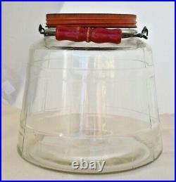 Vintage 1 Gallon Glass Jar withMetal Screw Top Lid & Wood Handle. No Chips/Cracks